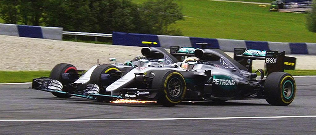 Hamilton & Rosberg Crash On Final Lap, Austrian GP 2016
