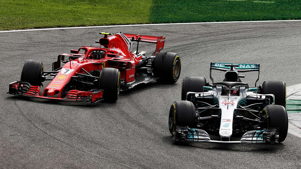Italian Grand Prix 2018, Lewis Hamilton overtakes Kimi Raikkonen for the race lead