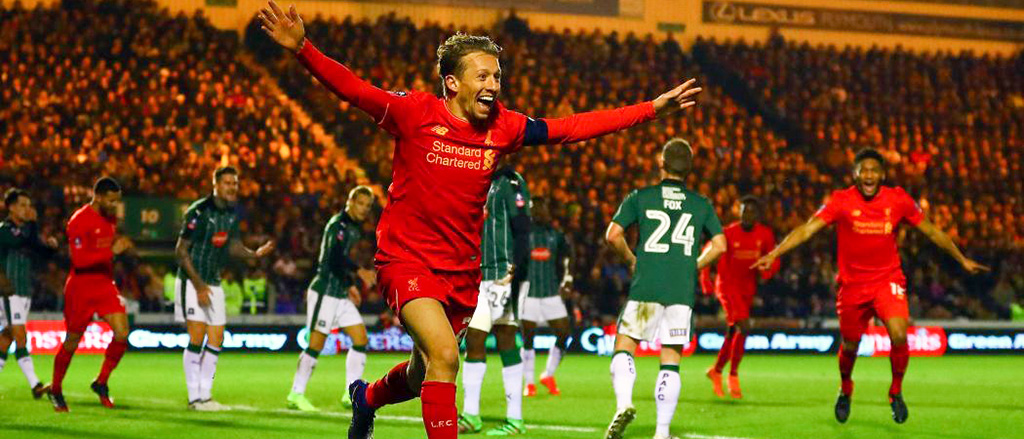 Lucas celebrates his goal against Plymouth, FA Cup, 2017